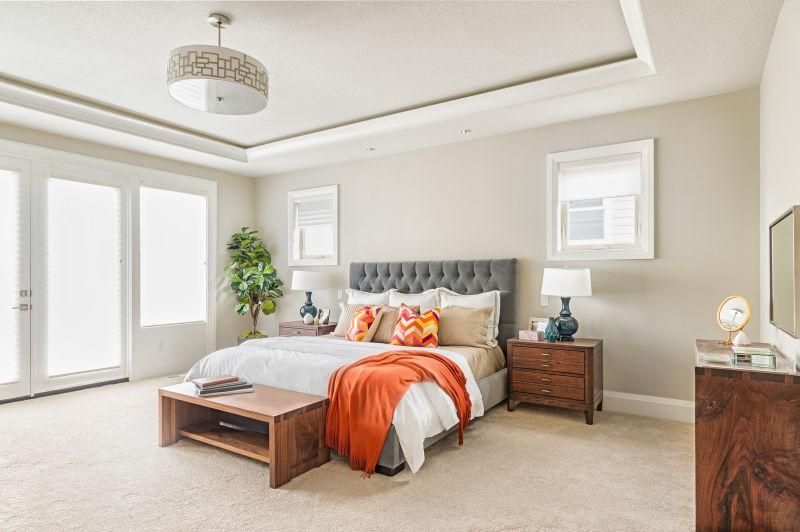 明亮的美丽卧室