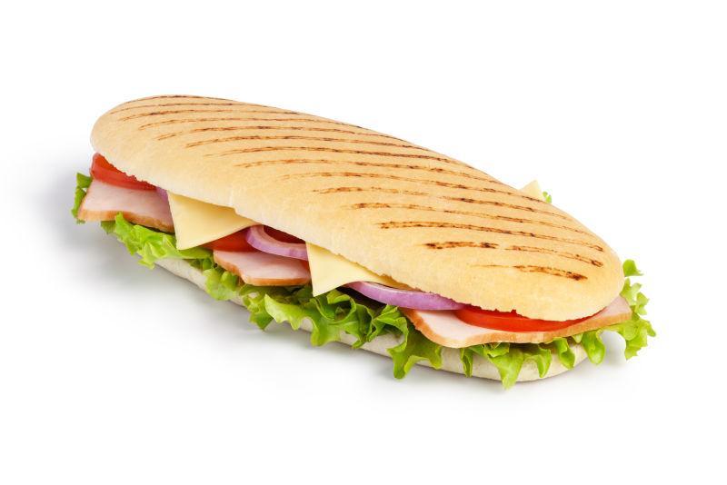 白色背景下美味的三明治