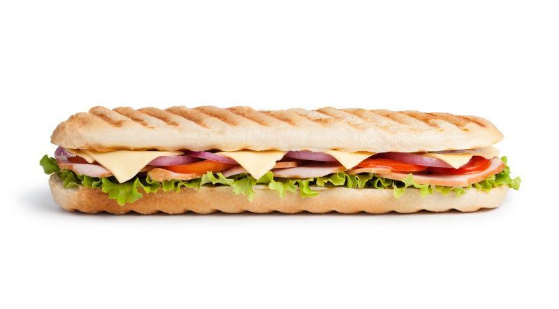 白色背景下健康美味的三明治