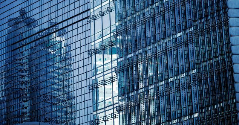 现代蓝色办公楼立面