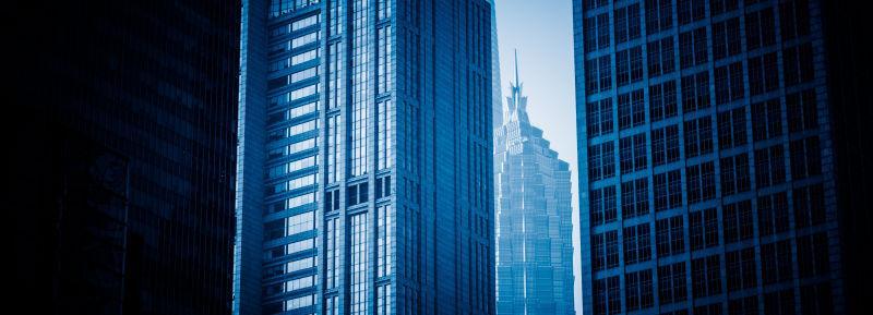 蓝色的摩天大楼