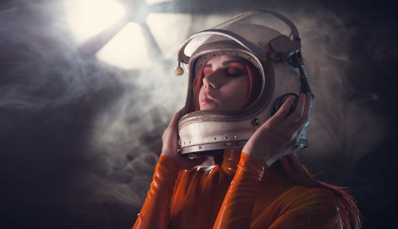 宇航员头盔画像