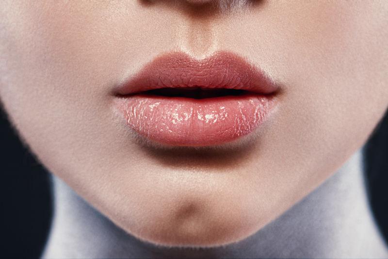 美女性感饱满嘴唇