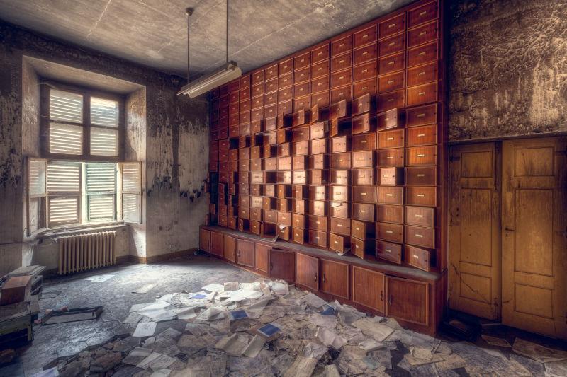 废弃的档案室