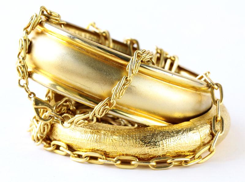 黄金手镯和链子