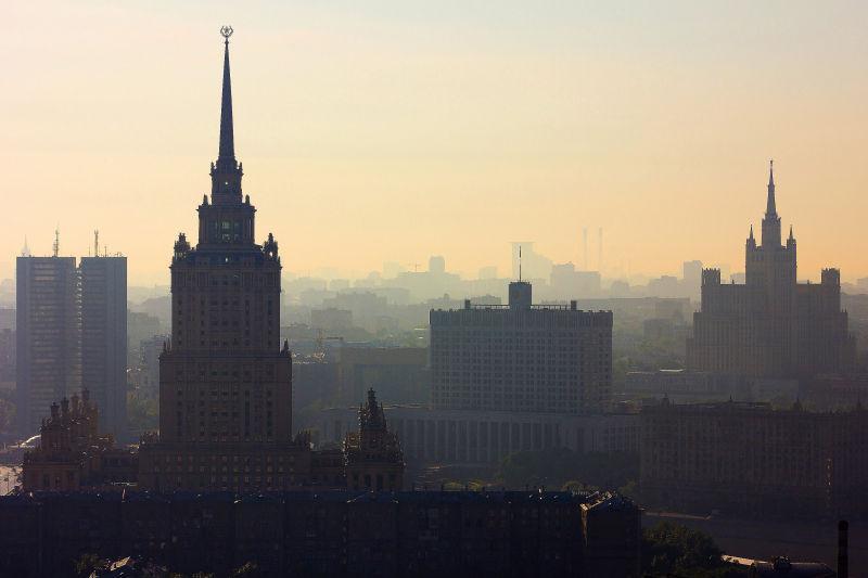 高楼上观看的城市