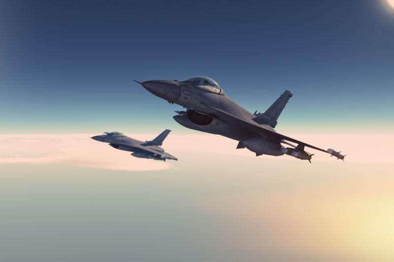 战斗机在空中飞行