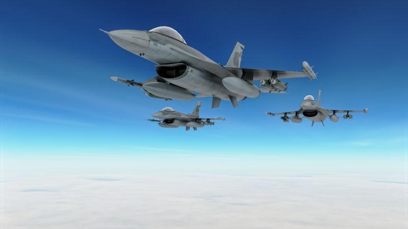 三架战斗机在空中飞行