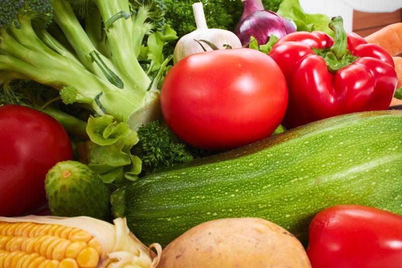 不同品种的新鲜蔬菜