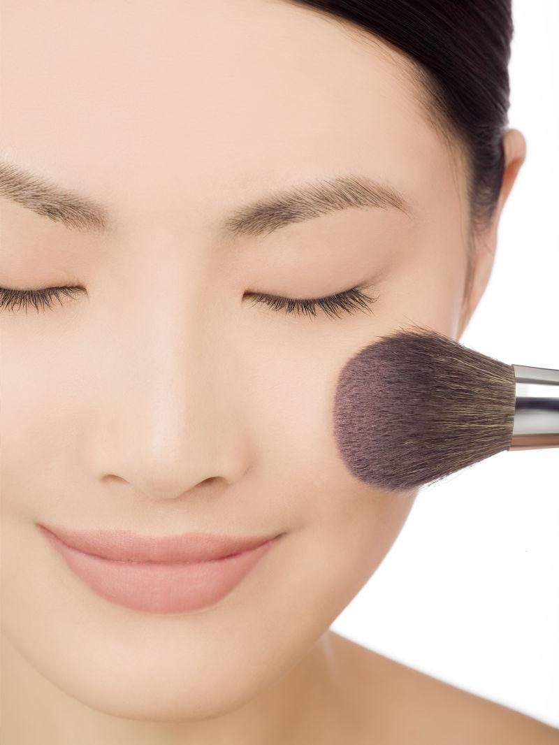 中国美女化妆中