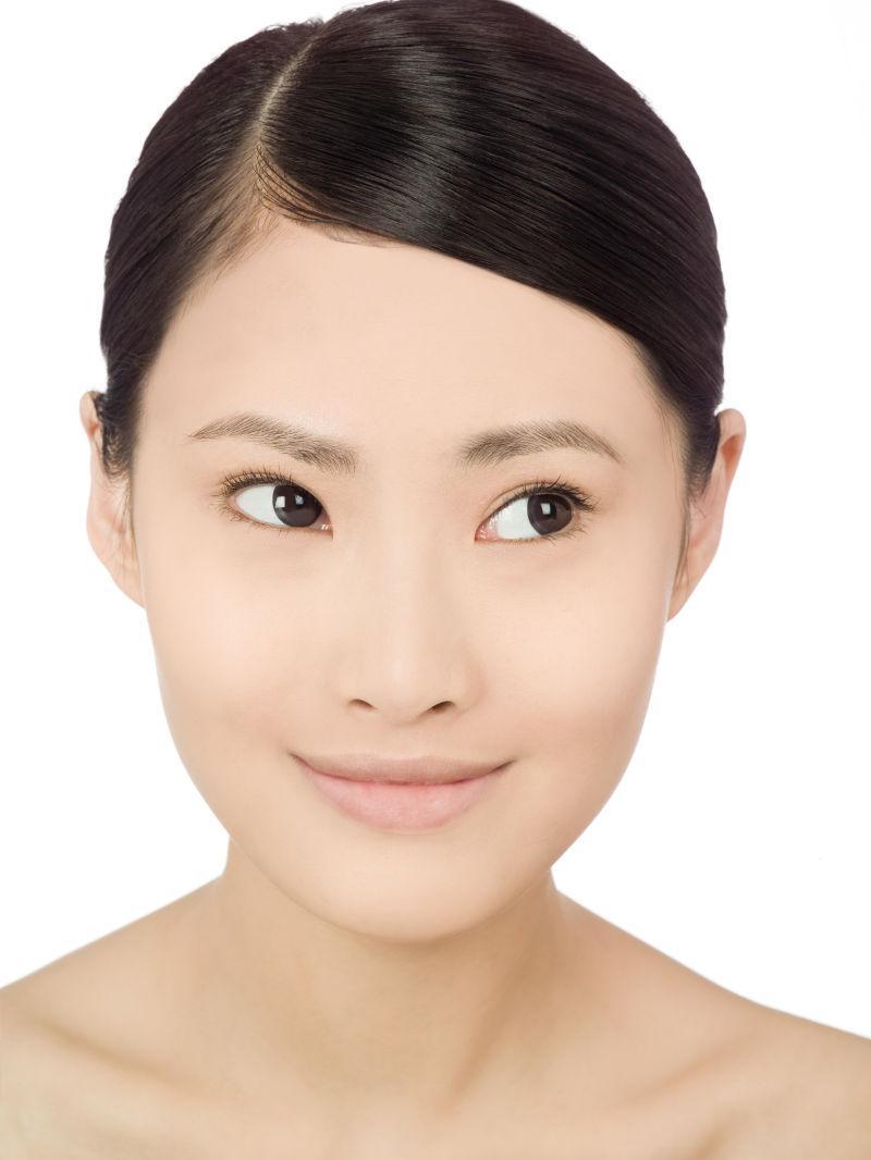 一个可爱的中国女人的肖像