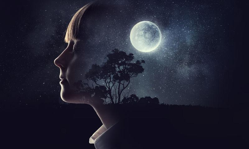 女孩的夜色梦境