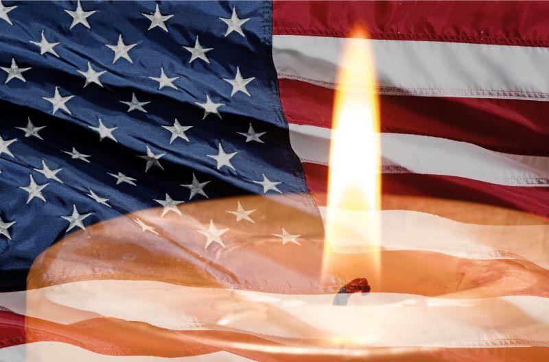 国旗下的蜡烛