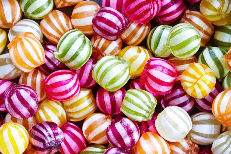 五颜六色的硬质糖果