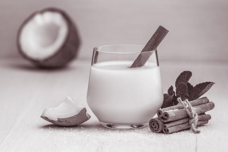 美味的桂皮椰奶
