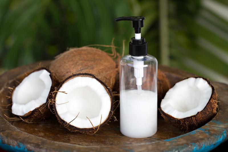 椰子油和椰子