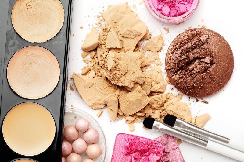 女性化妆产品