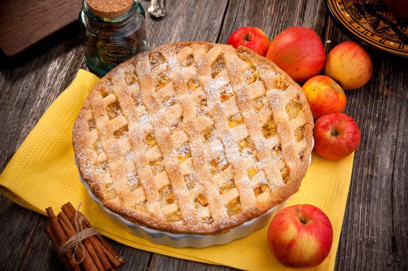 桌面上的苹果派