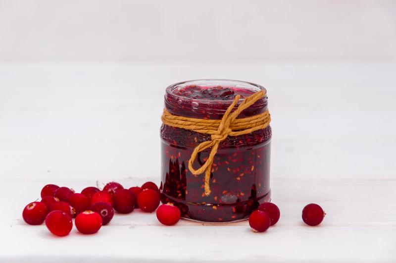 美味的蔓越莓和蔓越莓果酱