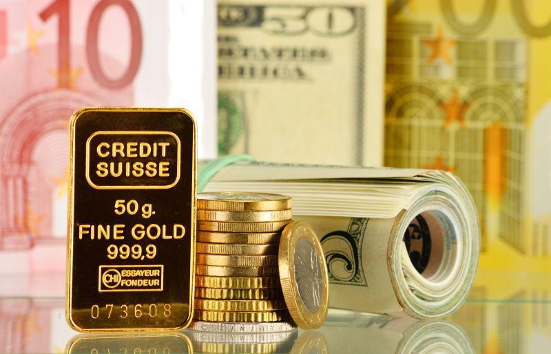 用50克金条纸币和硬币组成