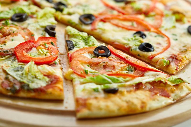 什莱奶酪的比萨饼