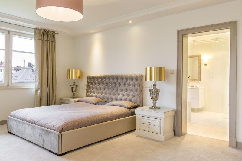 豪华的卧室大床