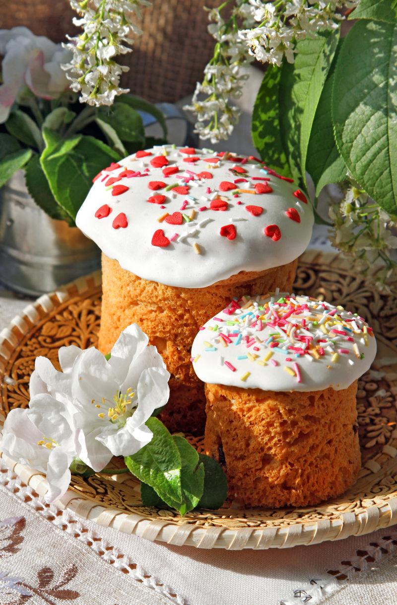 盘子上的小甜点