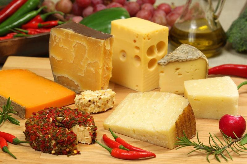 各种奶酪和调料