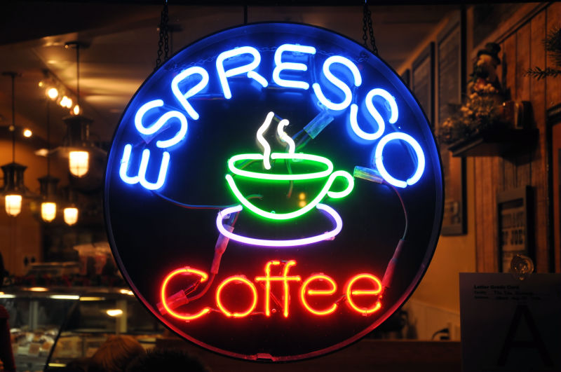 霓虹咖啡馆