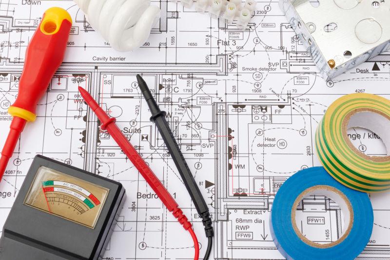 建筑设计平面图上的电气元件和胶带