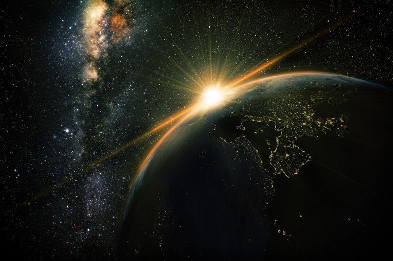 银河系日出时分的地球美景