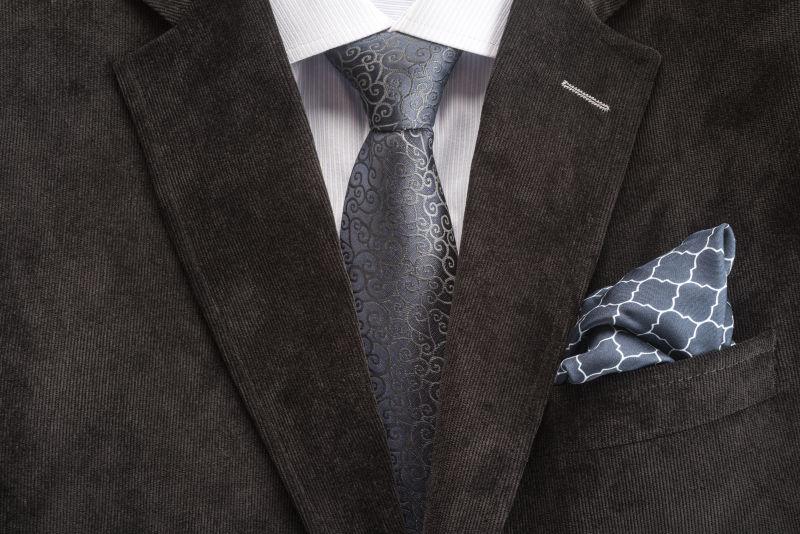男士的西装领带