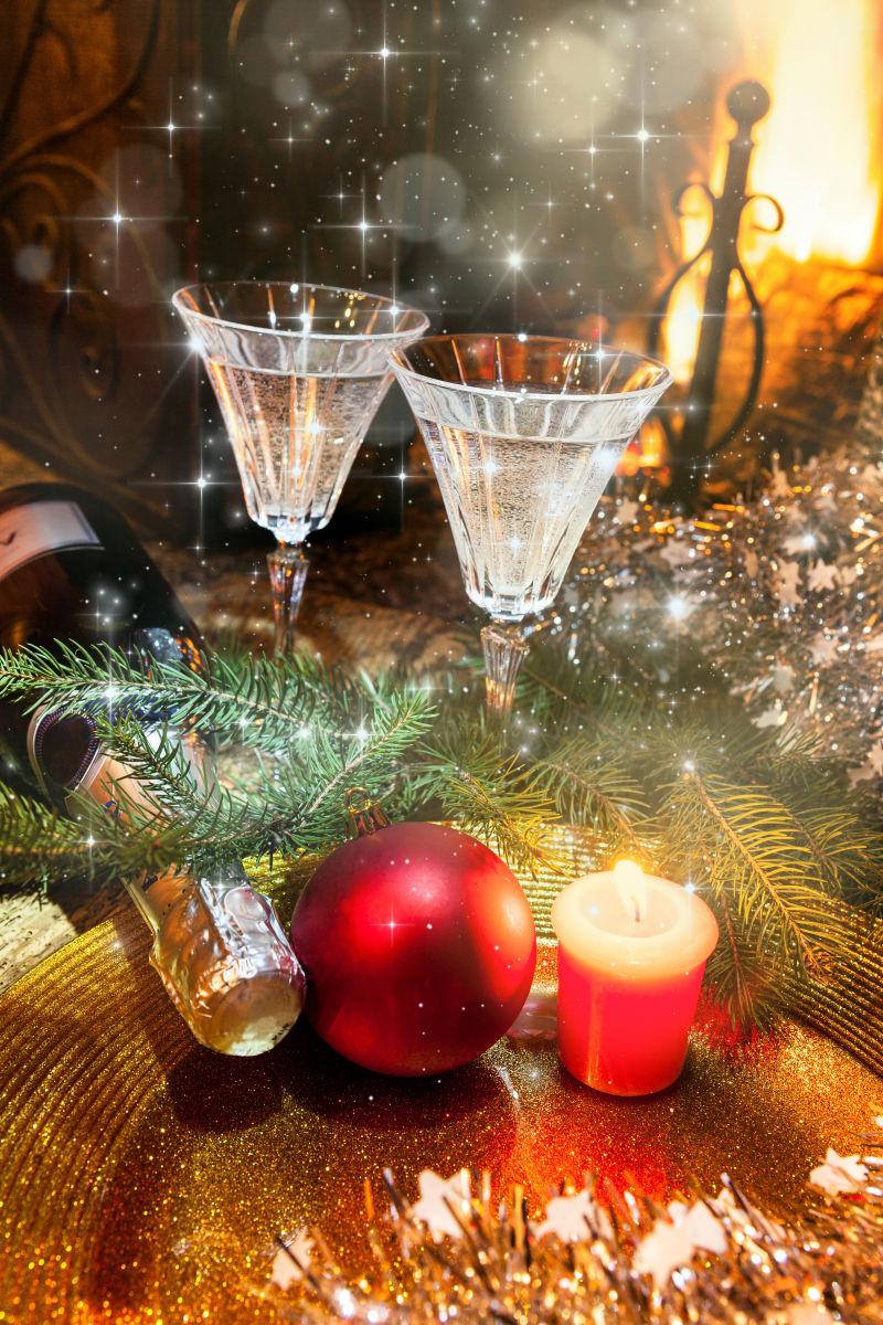 闪光背景中庆祝圣诞节快乐