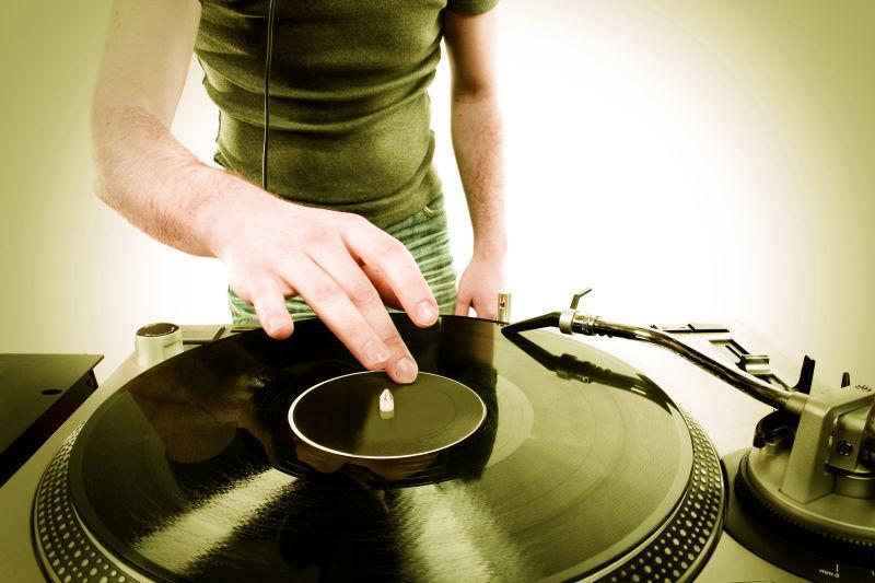 DJ演奏迪斯科舞厅进步电子音乐