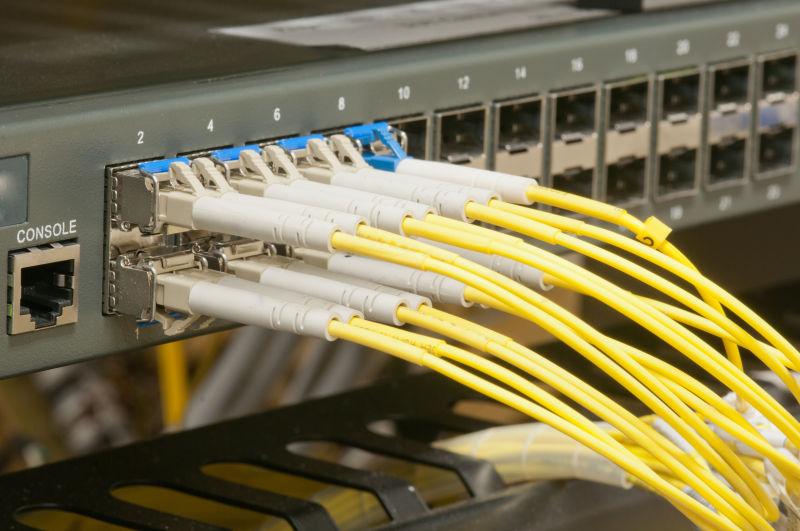 光纤数据传输和数据接口