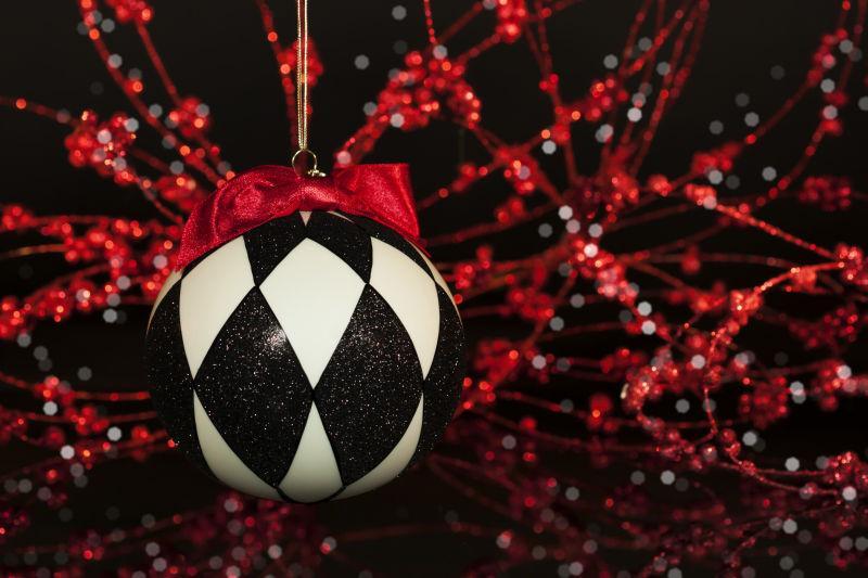 黑白交替的圣诞装饰