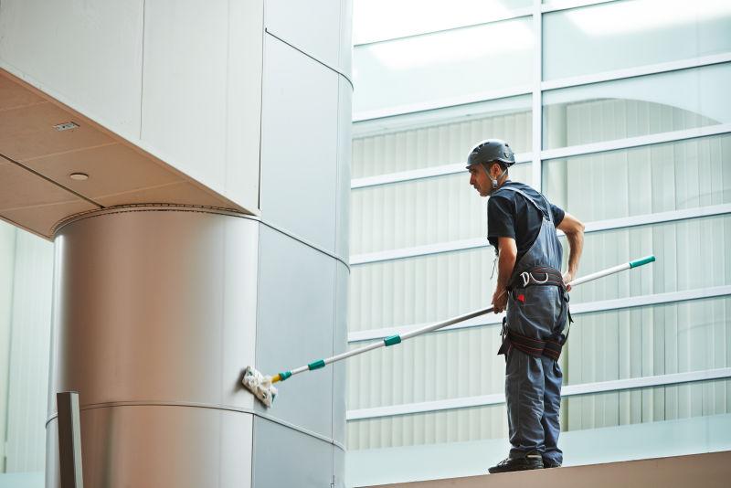 打扫商业建筑室内窗