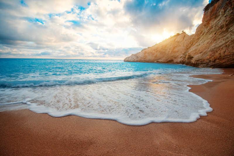 莱夫卡扎海滩的自然风景