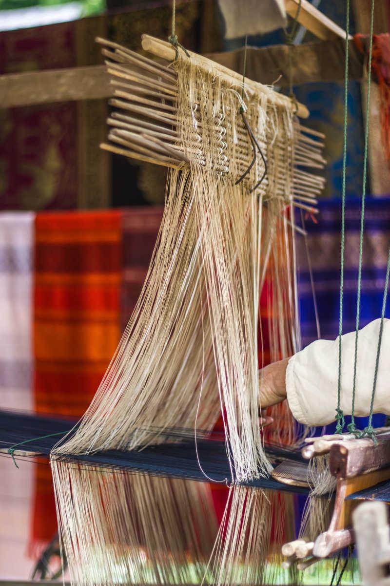 老挝北部丝绸织造
