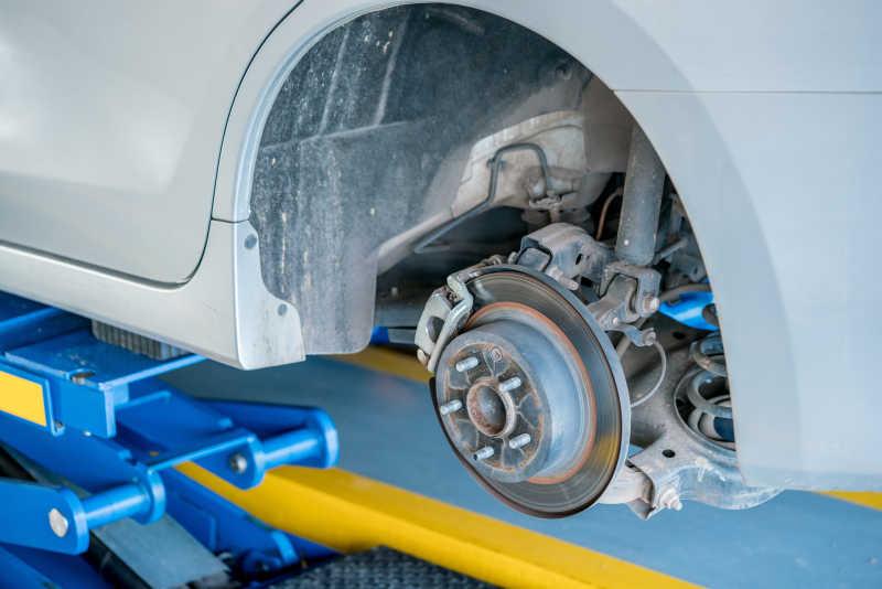 盘式刹车系统的盘式制动器更换