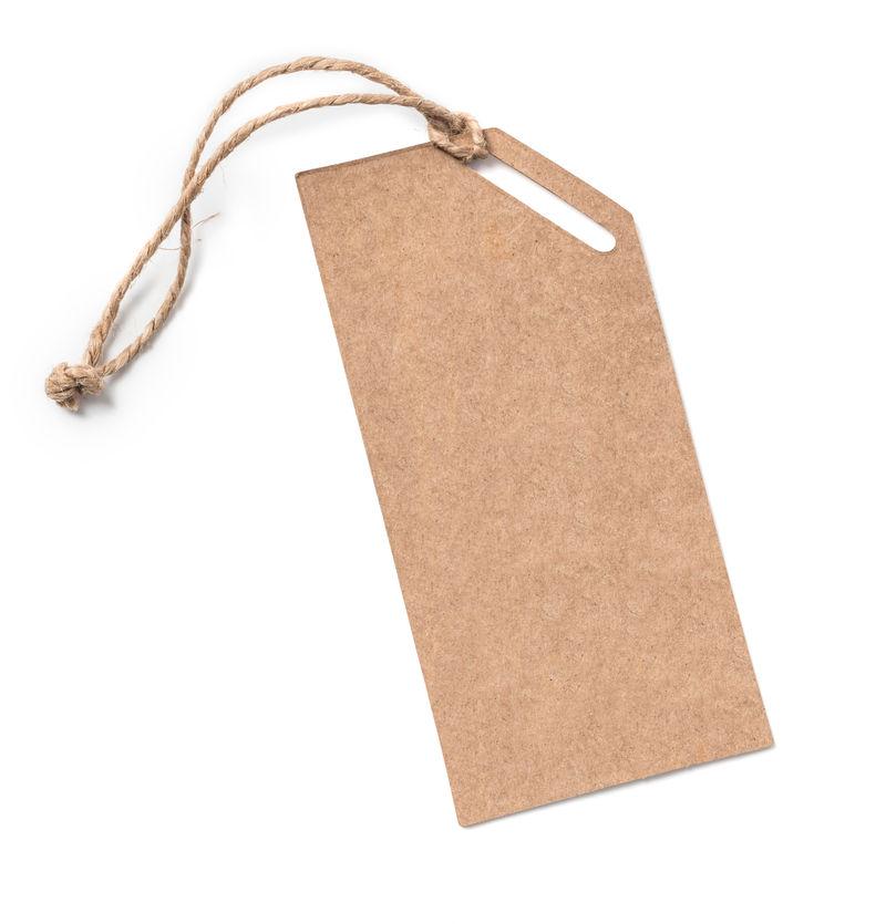 用绳子绑着的空白标签。