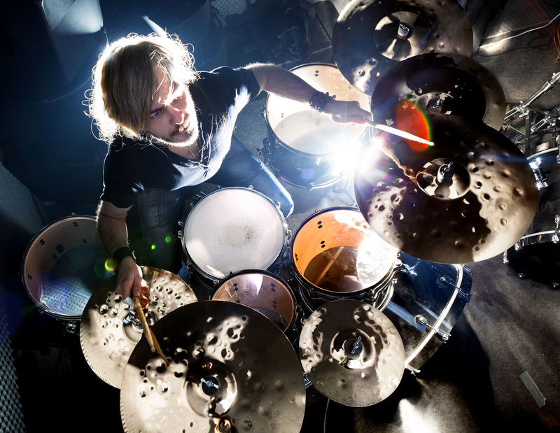 batería.fondo演奏摇滚乐的人
