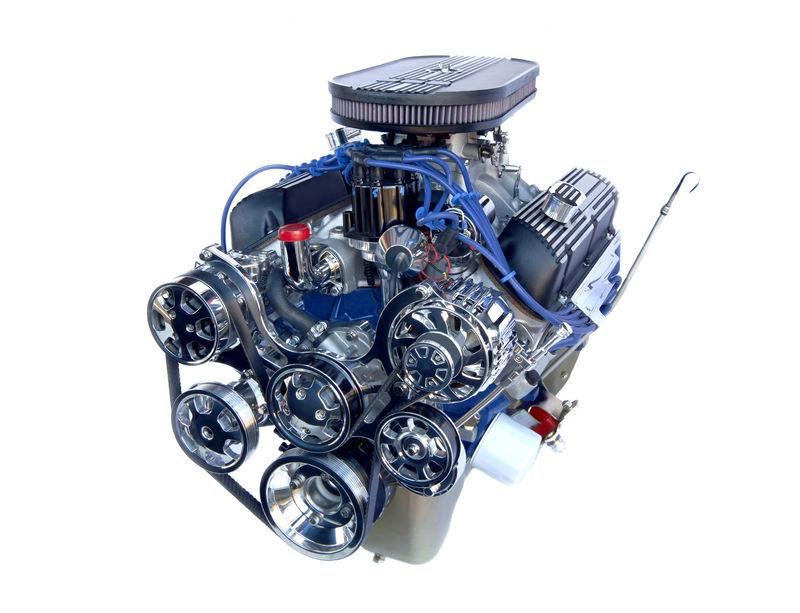 镀铬高性能V8发动机-白色隔离