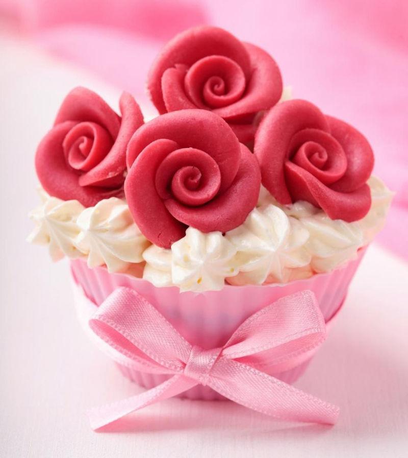红玫瑰杯蛋糕