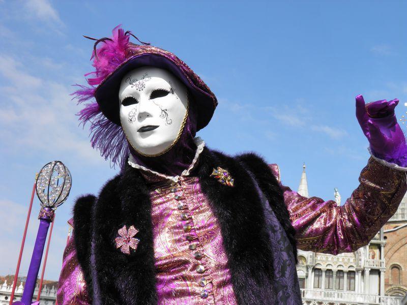 意大利威尼斯——2018年2月6日——2018年狂欢节的面具-威尼斯嘉年华意大利卡内维尔威尼斯是在意大利威尼斯举行的一年一度的节日