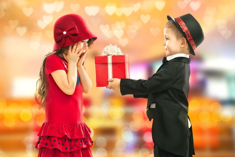 生日、情人节或其他节日的礼物