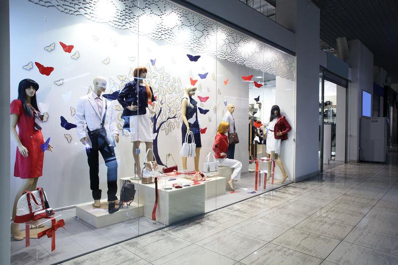 现代欧式商店明亮时尚的橱窗