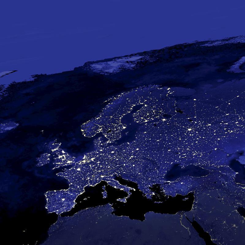 这张欧洲城市灯光的图片是由国防气象卫星计划(DMSP)作战线扫描系统(OLS)的数据创建的-N.A.S.A.图像已编辑