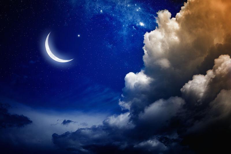 以明亮的月亮和星星为背景的开斋节穆巴拉克-NASA提供的这张图片的元素
