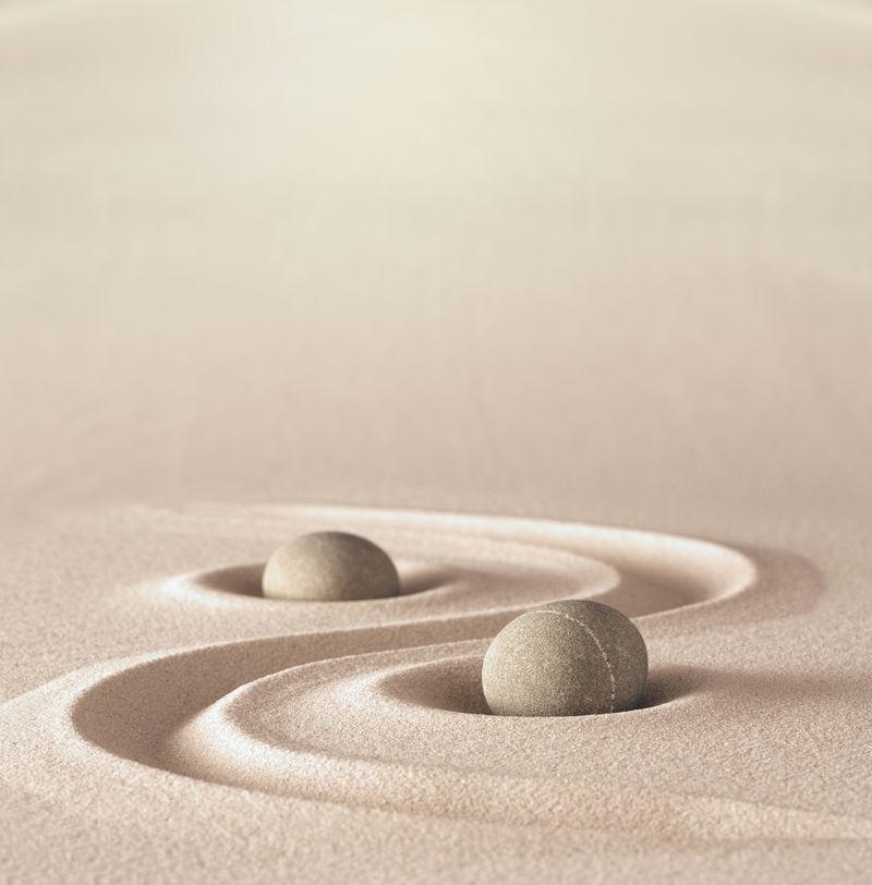 禅园冥想石背景与复制空间石头和线条在沙滩上的放松平衡和和谐的精神或水疗保健